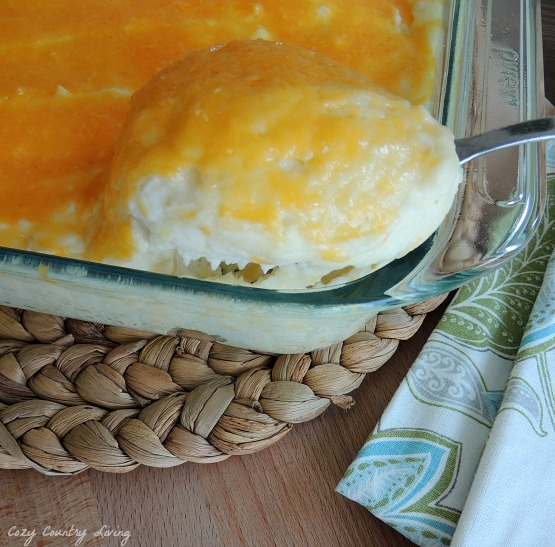 Serving Sour Cream & Cheddar Baked Mashed Potatoes